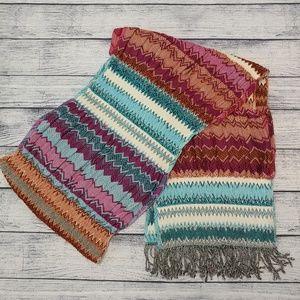 Celeb fave Tolani NWOT fringed boho striped scarf
